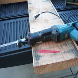 reciprocating saw with 3 inch stroke length